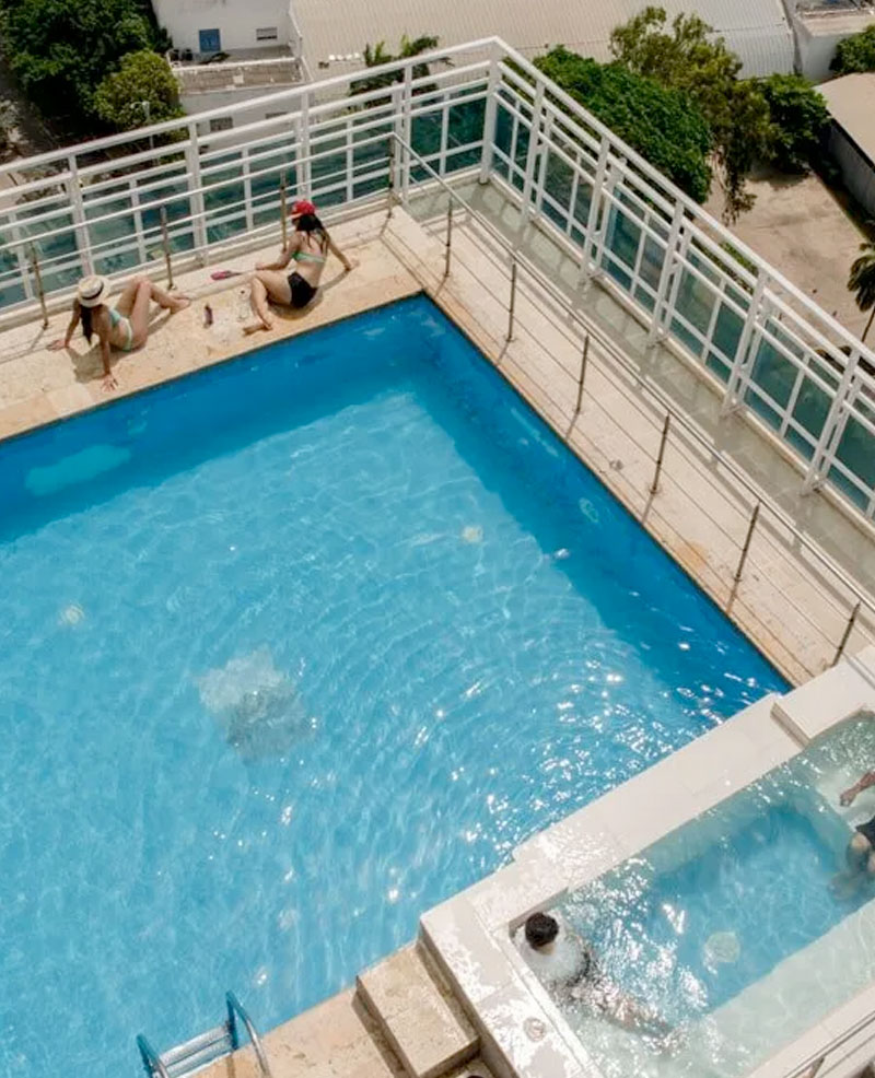 la piscina del hotel cartagena premium